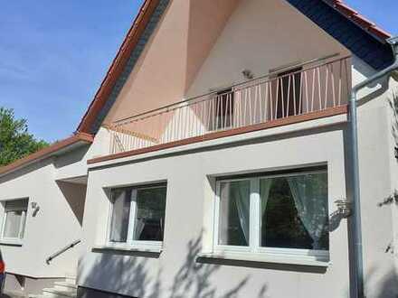 Großzügiges Wohnen im freistehenden EFH mitten in der schönen Pfalz