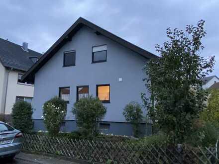 Freistehende Einfamilienhaus mit Garten zur Miete in Pfinztal