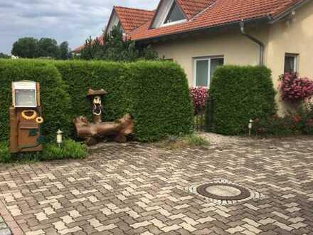 Geräumiges , modernes Landhaus am Ortsende mit freiem Blick