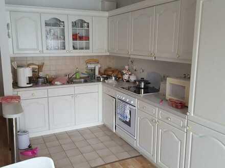 Zauberhafte Wohnung mit Terrasse und neuwertiger Einbauküche!