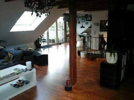 Stylische 2 Raum - DG- Wohung in Köln - Lövenich !!!!!