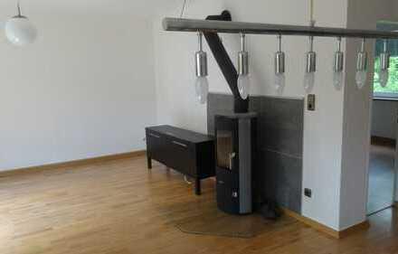 helle, renovierte vier Zimmer Wohnung in Coburg (Stadtbusbereich)