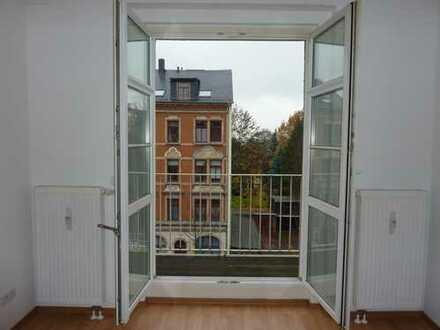 """""""Die ist ja ne Süße!"""" - 2-Raum mit Balkon, Laminat und tollem Bad"""