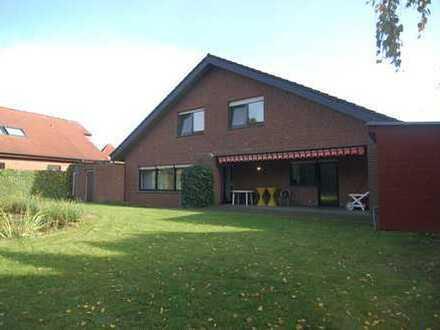 Werne ! Platz bietendes Zweifamilienhaus mit tollem Grundstück !