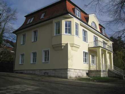 Exklusive 5-Zimmer-Wohnung mit Balkon in Riedenburg