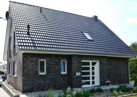 Einfamilienhaus + Garage ,ca. 125m2 Wfl.,710m2 Grundstück(auch als Premium Mietkaufvariante möglich)