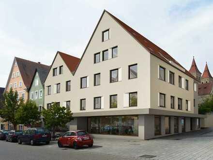 Modern sanierte Wohnung mit drei Zimmern sowie Balkon und EBK in Ellwangen (Jagst)
