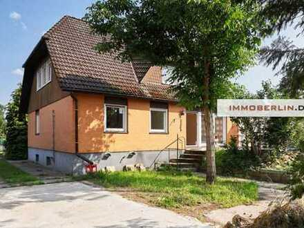 IMMOBERLIN: Raumreiches & helles Ein-/Zweifamilienhaus in harmonischer Lage