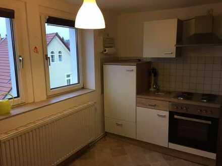 Kleine Dachgeschoss-Wohnung mit Küche in Obergasse 5 zu vermieten!