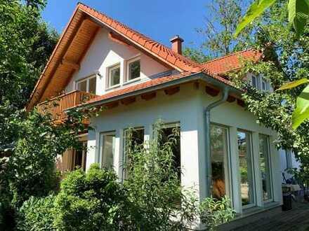 Freistehendes Haus in ruhiger und grüner Lage