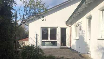 Modernisiertes EFH mit Einliegerwohnung in bevorzugter, sonniger Wohnlage