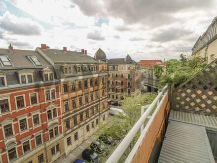 Ideale Anbindung, idealer Ausblick, ideales Wohngefühl: Maisonette mit Dachterrasse u. Stellplatz