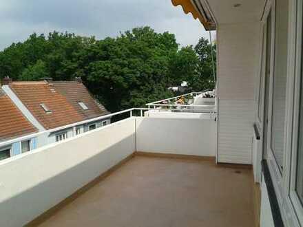 Schöne, helle Single-Oberwohnung in Schwachhausen/Gete in Bremen