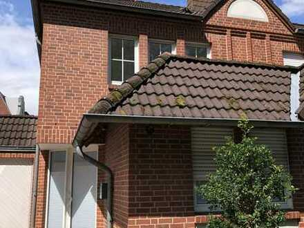 Sanierte 4-Zimmer-Doppelhaushälfte mit EBK in Bocholt, Bocholt
