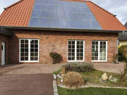Freistehendes Einfamilienhaus mit sonniger Terrasse in Tönisvorst