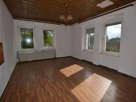 5-Zimmer-Wohnung - renovieren Sie selbst und zahlen Sie dafür 1 Jahr nur die 1/2 Miete!