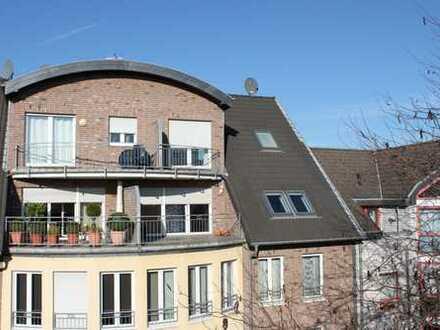 Exklusive Dachgeschoss-Maisonette in ruhiger Lage Frechen mit Aufzug, Sonnenterrasse usw.!