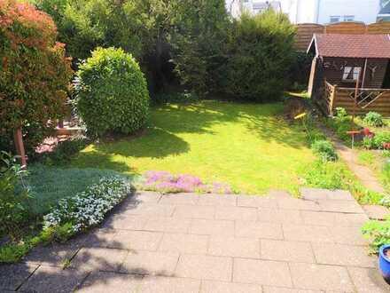 Freistehendes, ansprechendes EFH in Göppingen mit schönem Garten! Ruhige, ebene Stadtrandlage!