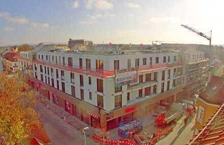 NEU *** Wunderburg! Loftige 2-Zimmer Wohnung mit großer Dachterrasse (EBK, Parkett, Lift, TG) WE14