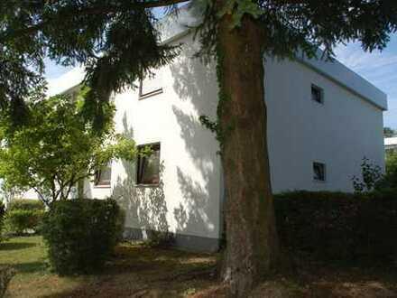 Helle komplett sanierte 3-Zimmer-Maisonette-Whg mit Terrasse in Bestlage Forstenried