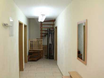 Gepflegte und möblierte 3-Zimmer-Appartment mit Balkon und EBK in Schwelm