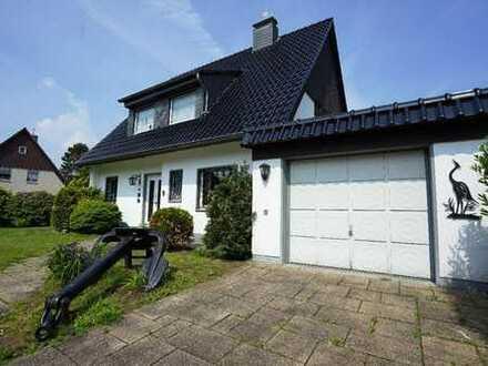 Frei stehendes Einfamilienhaus mit Ausbaureserve auf tollem Grundstück im Herzen der Waldsiedlung!