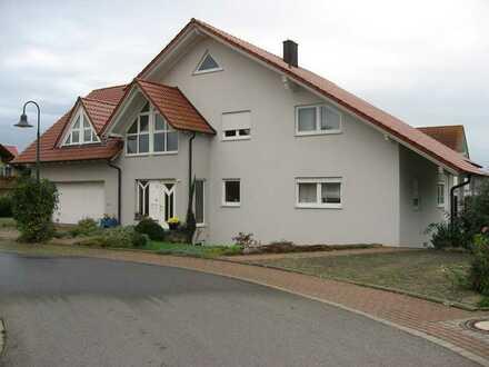 Wunderschöne, exclusive 5-Zimmer-Maisonnette-Wohnung in Wertheim-Dörlesberg in sehr ruhiger Wohnlage