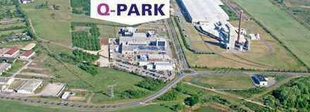 """Lagerhallen im Industriegebiet """"Q-Park"""" in Thalheim"""