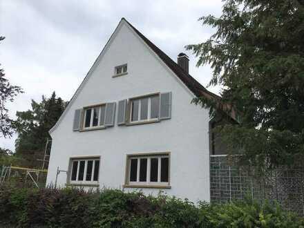 Renoviertes freistehendes 6-Zimmer-Einfamilienhaus mit EBK und Garten in Singen Nord