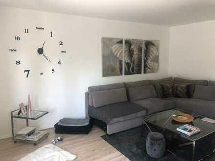 Stilvolle 3-Zimmer-Erdgeschosswohnung mit Balkon und EBK in Meerbusch