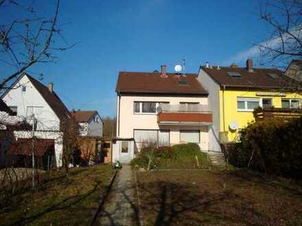 Vermietetes 3-Fam.-Wohnhaus mit schönem Grundstück in KA-Knielingen - ideale Kapitalanlage!