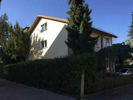 Erstbezug nach Sanierung: freundliche 4-Zimmer-Wohnung mit Balkon in Bruchsal