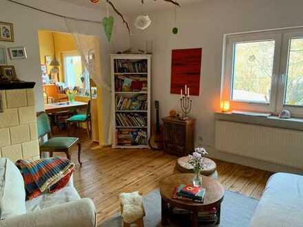 Einfamilienhaus mit Sanierungsbedarf auf zauberhaft-urwüchsigem Kleinod in Waldesruh!