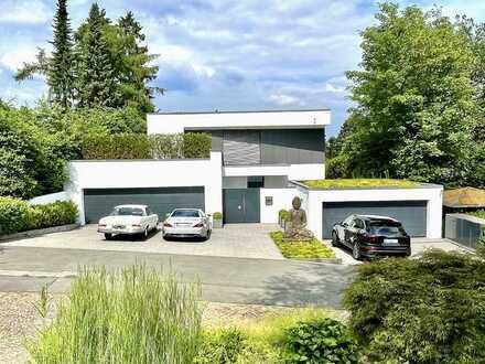 Bauhausvilla in traumhafter Lage mit allem erdenklichen Luxus!