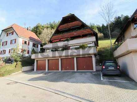 Wohnen in der Natur: Renovierte Dachgeschosswohnung im Schwarzwald - auch als Ferienwohnung geeignet