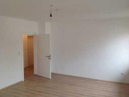 Attraktive, vollständig renovierte 2,5-Zimmer-Wohnung zur Miete in Schrobenhausen