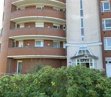 3-Zimmer-Wohnung mit Balkon, Einbauküche, sowie Aussenstellplatz