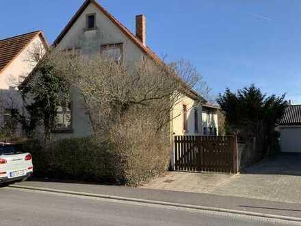 Zweifamilienhaus oder großes Baugrundstück !!!