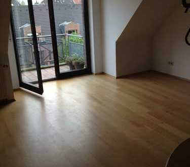 Hochwertige 3-Zimmer-Maisonette-Wohnung mit Balkon und Einbauküche in Leverkusen