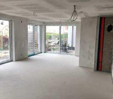 Erstbezug-Exklusive 4-Zimmer-Wohnung 148m² mit Kamin - Terrasse 50m² und Garten in Detmold-Hiddesen