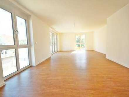 Lichtdurchflutete 4-Zimmer-Wohnung mit Balkon in Obertraubling! Frei ab 01.03!
