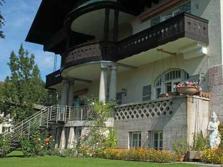 Herrschaftliche Villa mit Watzmannblick