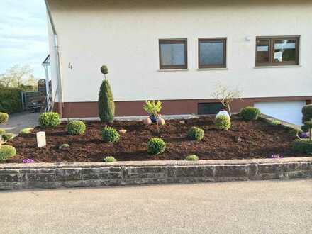 Schönes, geräumiges Haus mit gr. Garten