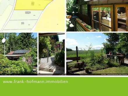 Wunderschön angelegter Freizeitgarten mit PV-Anlage u. Brunnen