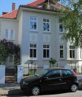 Freundliche 6-Zimmer-Maisonette-Altbauwohnung mit 3 Balkonen und EBK in Oldenburg (Oldenburg)