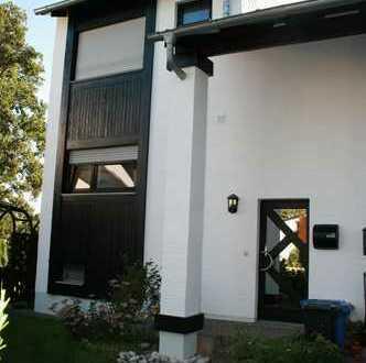 Schönes Haus mit vier Zimmern und toller Wohnlage in Nauheim
