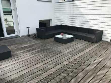 Einzigartige City-Wohnung, wohnen wie im Haus ohne Nachbarn