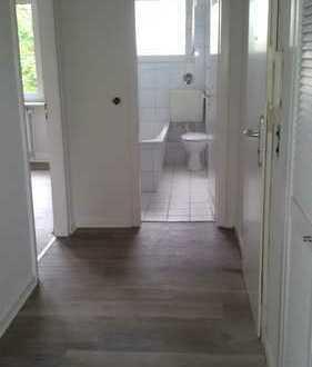 Schöne, renovierte 2 Zimmer Wohnung in Do-Berghofen (Ehmsenstr. 32)