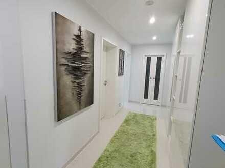 Aufgepasst! Top modernisierte 4-Zimmer-Wohnung in zentraler Lage von Durlach!