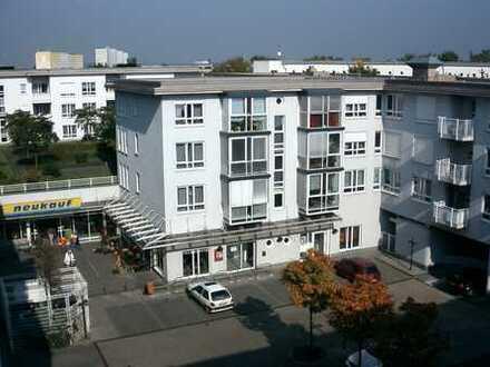 Klein aber fein - helle 1-Raum-Wohnung mit Einbauküche & Balkon in Erfurt